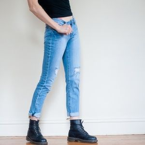 *kut from the kloth* distressed boyfriend jeans
